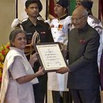 Deepika Receiving the Nari Puraskar..